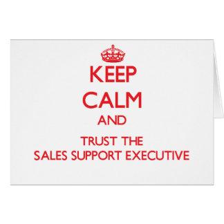 Guarde la calma y confíe en el ejecutivo de la ayu tarjeta