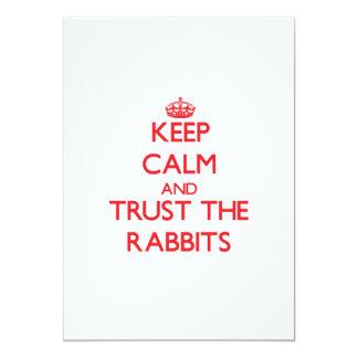 Guarde la calma y confíe en los conejos anuncio personalizado