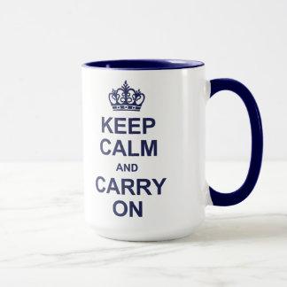 Guarde la calma y continúe - los azules marinos taza