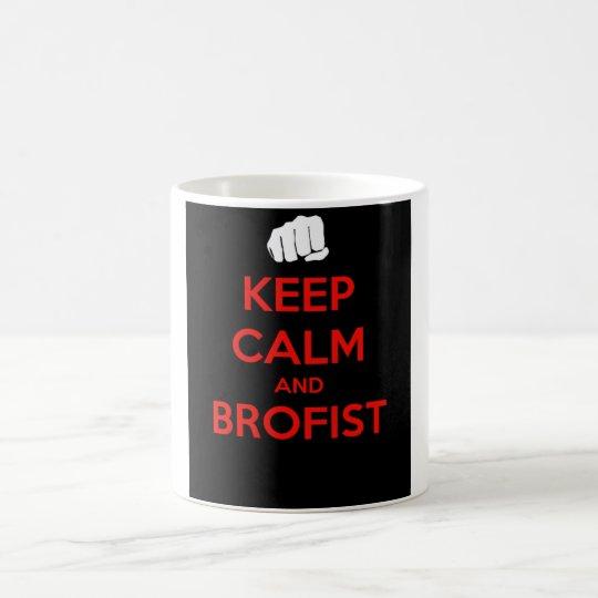 ¡Guarde la calma y el brofist! Taza De Café