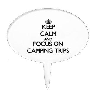 Guarde la calma y el foco en acampadas figura para tarta