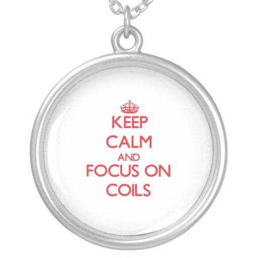 Guarde la calma y el foco en bobinas colgantes