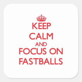 Guarde la calma y el foco en bolas rápidas pegatina cuadrada