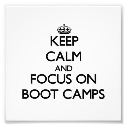 Guarde la calma y el foco en campos de bota cojinete