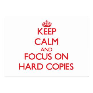 Guarde la calma y el foco en copias duras tarjetas de visita grandes