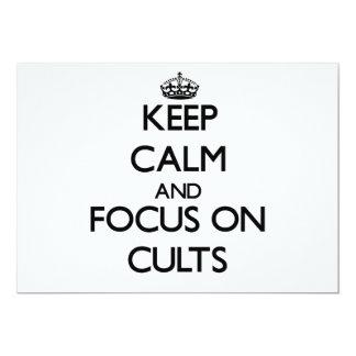 Guarde la calma y el foco en cultos invitación 12,7 x 17,8 cm