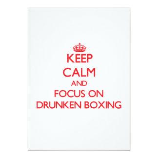 Guarde la calma y el foco en el boxeo borracho invitación 12,7 x 17,8 cm