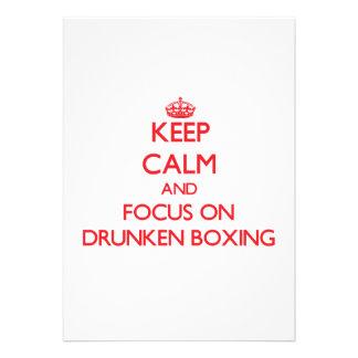 Guarde la calma y el foco en el boxeo borracho invitaciones personalizada
