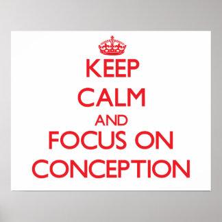 Guarde la calma y el foco en el concepto posters