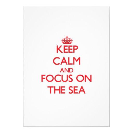 Guarde la calma y el foco en el mar invitación personalizada