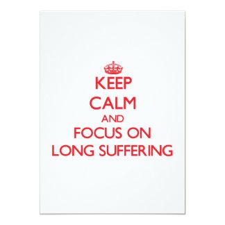 Guarde la calma y el foco en el sufrimiento largo invitación 12,7 x 17,8 cm