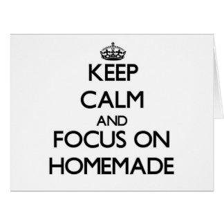 Guarde la calma y el foco en hecho en casa