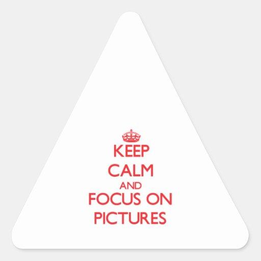 Guarde la calma y el foco en imágenes calcomanías de triangulos personalizadas