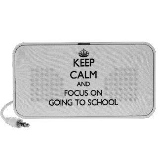 Guarde la calma y el foco en ir a la escuela mp3 altavoz