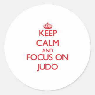 Guarde la calma y el foco en judo etiquetas