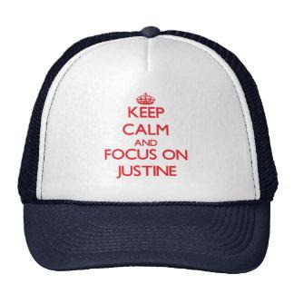 Guarde la calma y el foco en Justine Gorras De Camionero