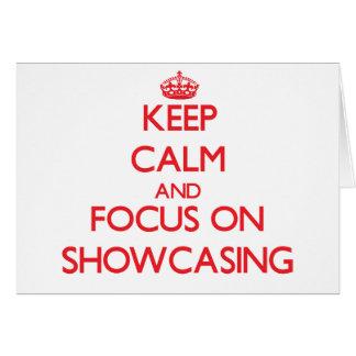 Guarde la calma y el foco en la exhibición tarjeta de felicitación