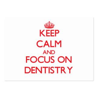 Guarde la calma y el foco en la odontología tarjetas de visita grandes