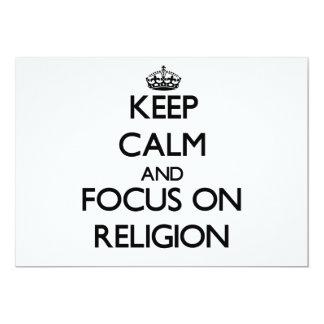 Guarde la calma y el foco en la religión invitación 12,7 x 17,8 cm