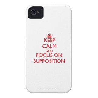 Guarde la calma y el foco en la suposición iPhone 4 coberturas