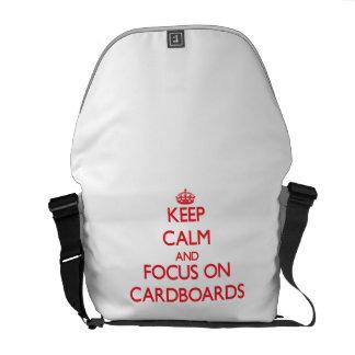 Guarde la calma y el foco en las cartulinas bolsa messenger
