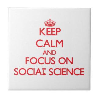 Guarde la calma y el foco en las ciencias sociales tejas