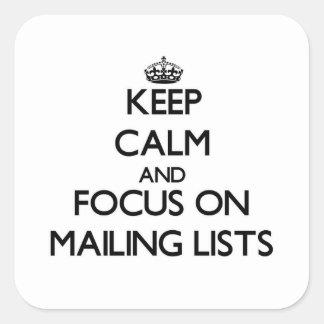 Guarde la calma y el foco en las listas de calcomanías cuadradass personalizadas