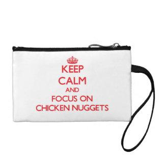 Guarde la calma y el foco en las pepitas de pollo