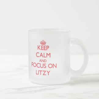 Guarde la calma y el foco en Litzy Tazas De Café