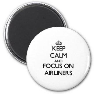 Guarde la calma y el foco en los aviones de pasaje iman para frigorífico