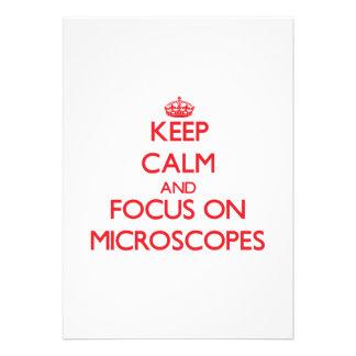 Guarde la calma y el foco en los microscopios