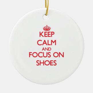 Guarde la calma y el foco en los zapatos