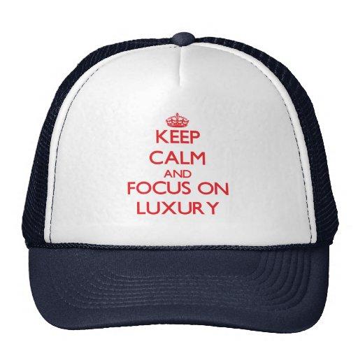 Guarde la calma y el foco en lujo gorras