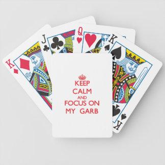 Guarde la calma y el foco en mi atuendo baraja cartas de poker