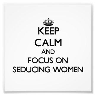 Guarde la calma y el foco en mujeres de seducción