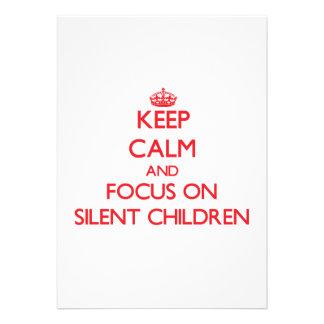 Guarde la calma y el foco en niños silenciosos anuncios personalizados