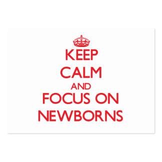 Guarde la calma y el foco en recién nacidos tarjetas de visita