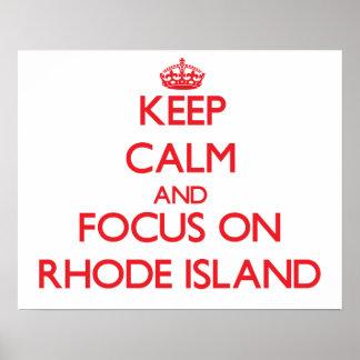 Guarde la calma y el foco en Rhode Island Posters
