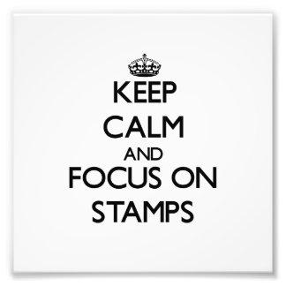 Guarde la calma y el foco en sellos arte con fotos