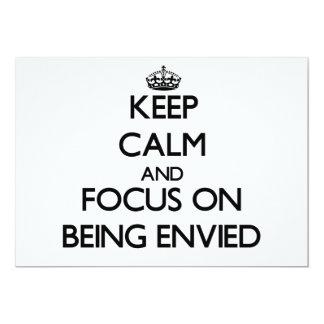 Guarde la calma y el foco en SER ENVIDIADO Invitación 12,7 X 17,8 Cm