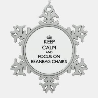 Guarde la calma y el foco en sillas del Beanbag Adornos