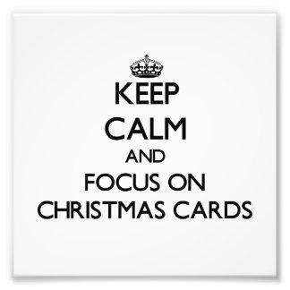 Guarde la calma y el foco en tarjetas de Navidad