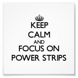 Guarde la calma y el foco en tiras del poder cojinete