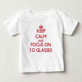 Guarde la calma y el foco sobre los vidrios camiseta