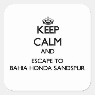 Guarde la calma y escápese a Bahía Honda Sandspur Calcomanía Cuadradas