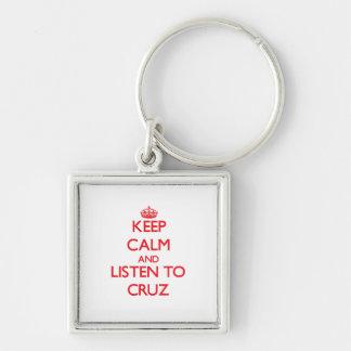 Guarde la calma y escuche Cruz Llaveros