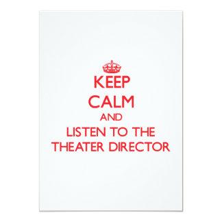 Guarde la calma y escuche el director del teatro anuncio