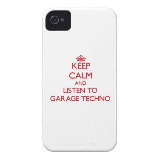 Guarde la calma y escuche el GARAJE TECHNO iPhone 4 Case-Mate Coberturas