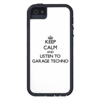 Guarde la calma y escuche el GARAJE TECHNO iPhone 5 Case-Mate Funda