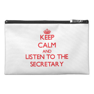 Guarde la calma y escuche la secretaria